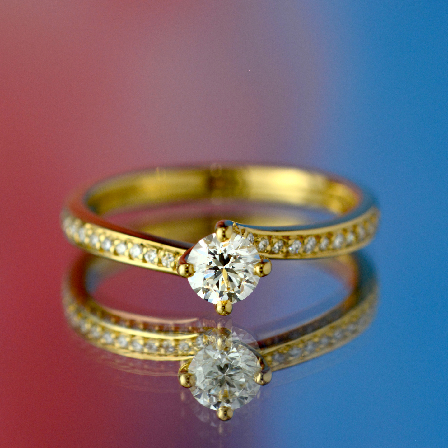 Beards Round Brilliant Cut Diamond Twist Yellow Gold Engagement Ring